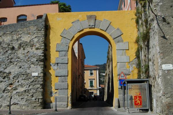 Ventimiglia (IM), Porta Nuova