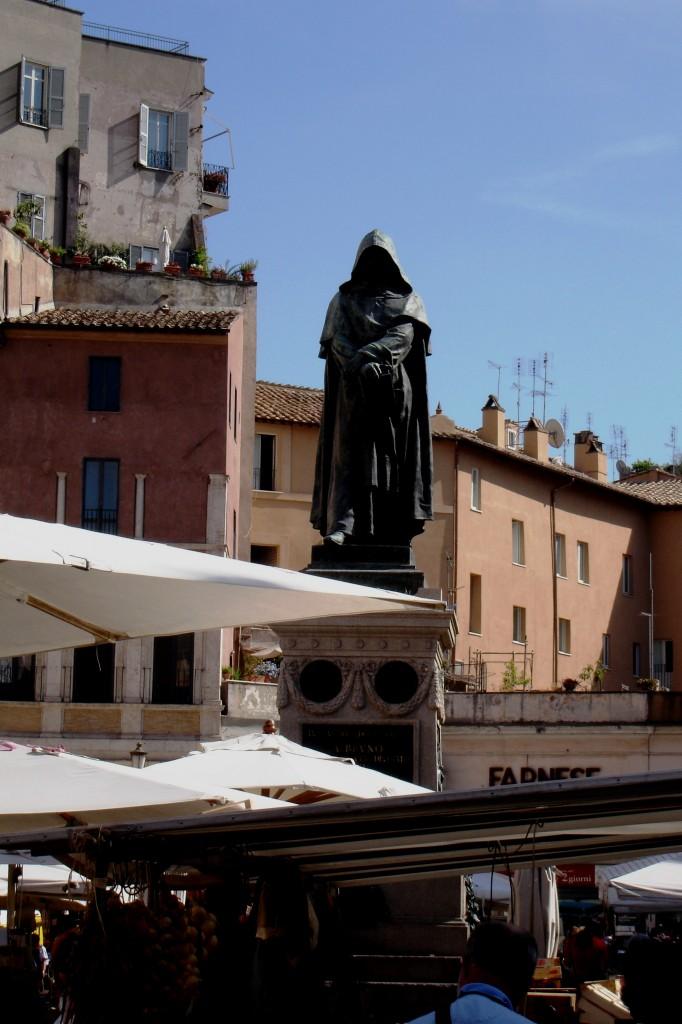 Roma, Piazza Campo dei Fiori, Statua di Giordano Bruno