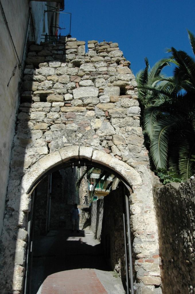 Ventimiglia (IM), nel centro storico della Città Alta (o Vecchia)